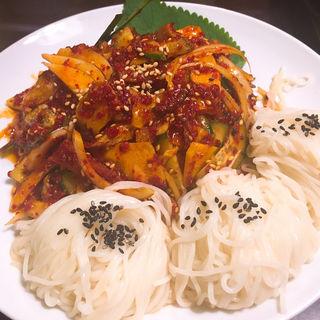つぶ貝と野菜のピリ辛和え(百濟 (百済 ペクチェ))