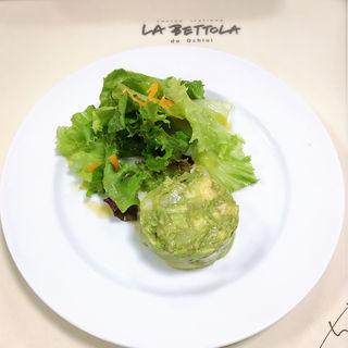 ホタテと海老とアボカドのサラダ(ラ・ベットラ・ダ・オチアイ)