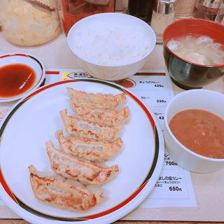 ぎょうざ定食(みよしの日劇店)