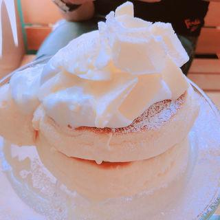 白のパンケーキ(円山ぱんけーき)