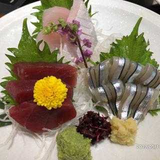 お刺身三種盛り(遊豚菜彩 いちにいさん 銀座店 (【旧店名】 遊食菜彩 いちにいさん))