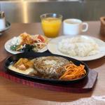 ホイップガーリックハンバーグ〜醤油バターソース〜(フジオ軒 イオンモール東浦店)