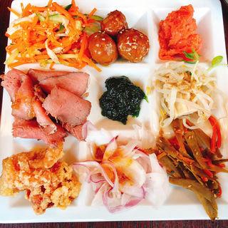 京のおばんざい食べ放題ランチ(もつ吉 渋谷店)