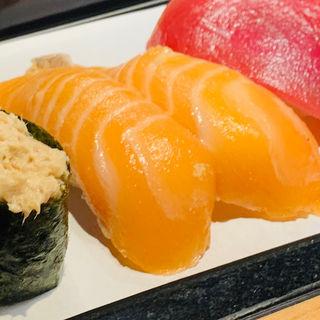 サーモン寿司(や台ずし 御器所町)