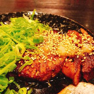 牛肉のタタキ(牛もつ鍋専門 やま本 )