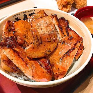 十勝豚丼と釧路ザンギ[3個]セット(㐂久好(きくよし)-十勝豚丼 釧路ザンギ THE OUTLETS HIROSHIMA店)
