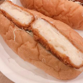 サクッとトロトロのカニクリームコロッケ コッペパン(こぺてりあ 姫路みゆき通り店)
