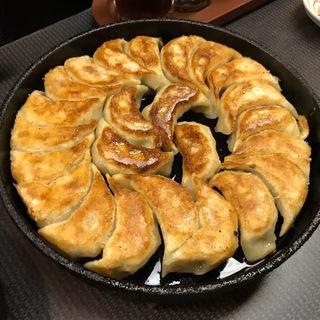 鉄板焼き餃子(まるさん餃子)