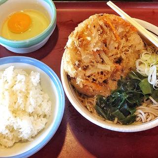 玉子かけご飯定食 麺1玉 かき揚げ追加(山田うどん 小平仲町店 )