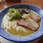 ゆず胡椒鶏白湯ラーメン(鶏白湯ラーメン とりごや)