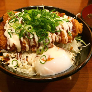 韓辛味噌  マヨかつ丼 並盛(かつ丼吉兵衛 なんば道具屋筋店 )