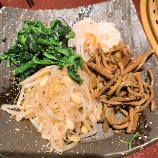 ナムル(焼肉 どうらく 横浜西口店 )