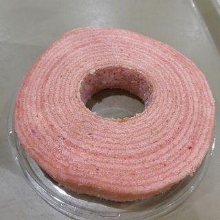低温熟成バウムクーヘン苺
