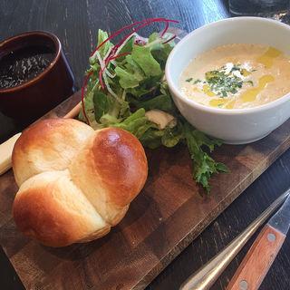湯だねパンとスープのモーニング(Good Morning Cafe&Grill (グッドモーニング カフェ アンド グリル))