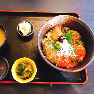 ブリ&銀鮭丼