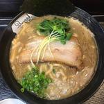 濃厚魚介鶏ラーメン