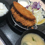 白身魚のフライ ロースカツ定食