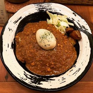 キーマカレー(半熟味付玉子トッピング)