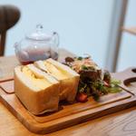 厚焼きたまごの極美サンドイッチ(嵜本ベーカリーカフェ)