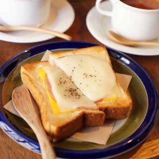 ダブルハムチーズトースト(本のあるカフェ ホコト)
