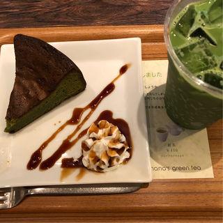 抹茶のガトーショコラ 抹茶ラテ(ナナズ グリーンティー 仙台パルコ店 (nana's green tea ))