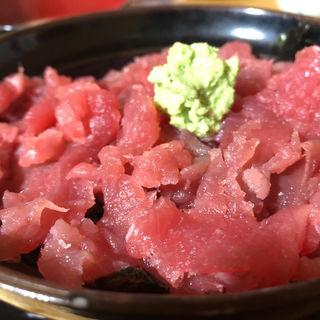 東丼(マグロ丼)