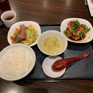 鳥唐揚げ油淋鶏ソース/牛肉と青梗菜の炒め(東明飯店 (トウメイハンテン【旧店名】東明大飯店))