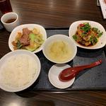 鳥唐揚げ油淋鶏ソース/牛肉と青梗菜の炒め