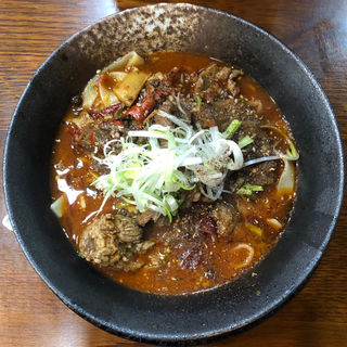 四川紅焼牛肉麺(中国四川料理 錦水苑)