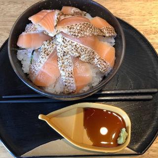 サーモン丼(魚楽 )