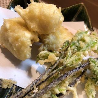 鱧と山菜の天ぷら(峰屋 )