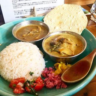 キノコのココナッツカレー&鯖のココナッツカレー(Curry&Spice青い鳥)