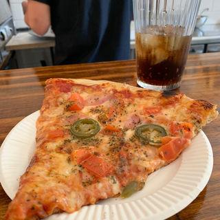 ベーコン、トマト、ハラペーニョ(yama pizza)