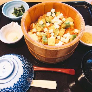 サーモン二味アボカドチーズおひつごはん(おひつごはん四六時中 宇都宮ベルモール店 )