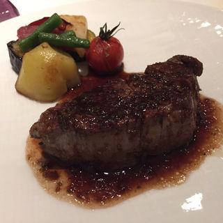 和牛フィレ肉のポワレ 赤ワインソース(ルメルシマン オカモト)