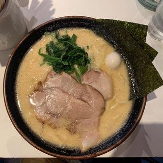 醤油豚骨ラーメン(丸花 (○花))