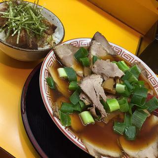 中華そば(中盛)(中華そば 麺屋7.5Hz+ 梅田店 (7.5ヘルツプラス))