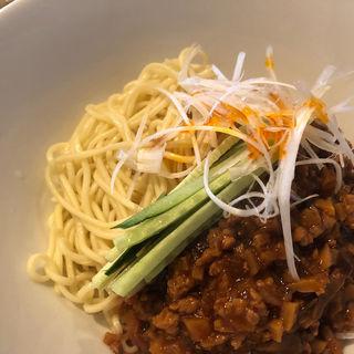 炸醤麺(弄堂 生煎饅頭 南森町店 (ロンタン センチェンマントウ))