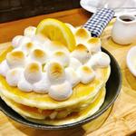 焼きマシュマロとレモンチーズのパンケーキ(mog 難波店)
