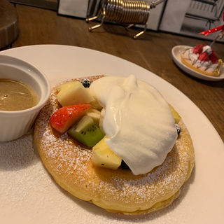 フルーツガーデンパンケーキ single(カフェ ラインベック (Cafe Rhinebeck))