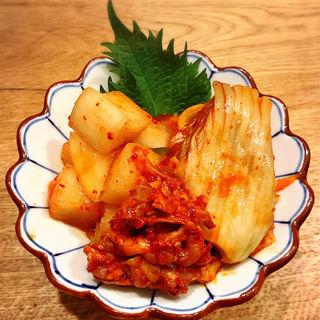 自家製キムチの3種盛り(肉亭いちゆく)