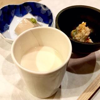豆乳・おから炒り・胡麻豆腐(川島豆腐店 (かわしまとうふてん))