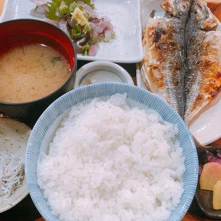 ◆季節のお刺身と縞ほっけの干物定食2600円
