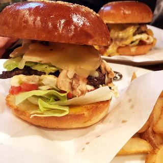 アボカドマッシュルームチーズバーガー(ArmS Park Side Burger Shop)