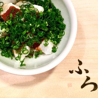 河豚の湯引きと鱈白子の酒蒸し(馬場頭 ふろ (ババガシラフロ))