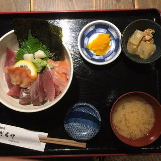 海鮮丼(貝だらけ )