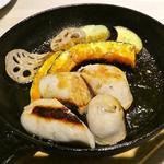 茶美豚ソーセージ鉄板焼き