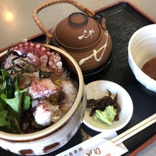 タコしらすご飯(お食事処 浜ちどり )
