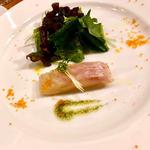 三重県産 真鯛の瞬間燻製 メランジュサラダを添えて(ビストロKコース)