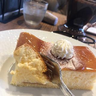 クリームチーズのスフレ(ケーキ パスタ&バール いすずカフェ)